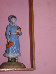 Laura Figurine