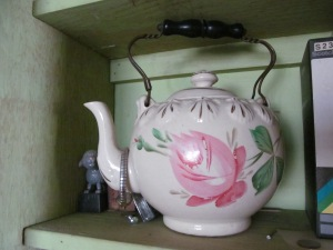 Teapot with Rose