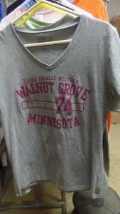 Grey T-shirt with maroon print