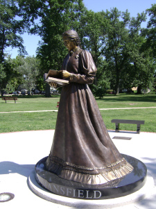 Belle Mansfield Full Statue